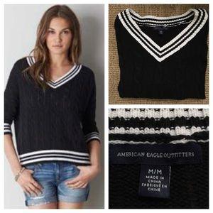 American Eagle black and white v neck sweater